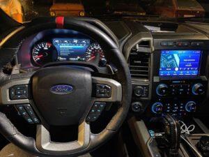Сервис форд автомобиля