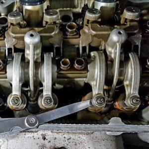 Регулювання клапанів двигуна автомобіля